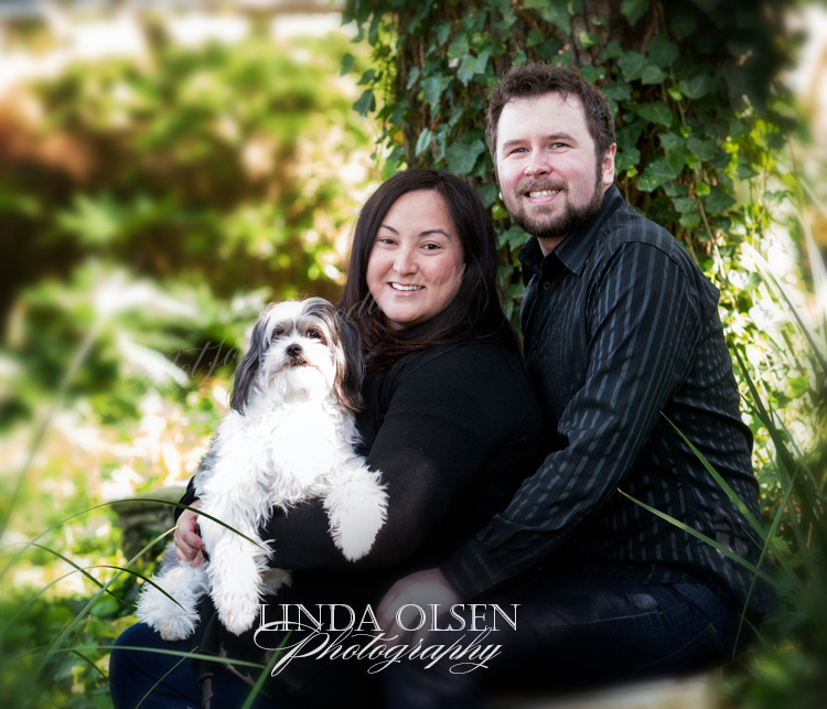 Marga and Sean wanted to include their sweet four your old dog, Furgus, in their family portrait. I did some capture in the photo studio and then a few in the garden. Furgus was really wonderful and responsive.